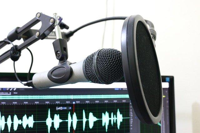 Emprender con podcasts, los audios que prometen rentabilidad